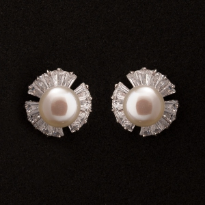 Fresh Water Pearl Flower Tapered Zirconia Earring