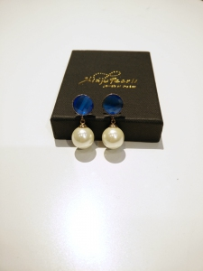 H/M Pearl Shell Dangling Earring-White