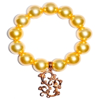 Shell Pearl With Shinju Pearl Emblem Charm Bracelet - Yellow Gold