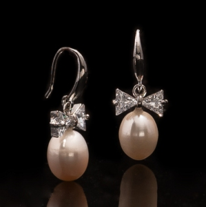 Fresh Water Pearl Ribbon Zirconia Dangling Earring